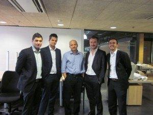 Marek junto a los emprendedores de Kantox y Palbin