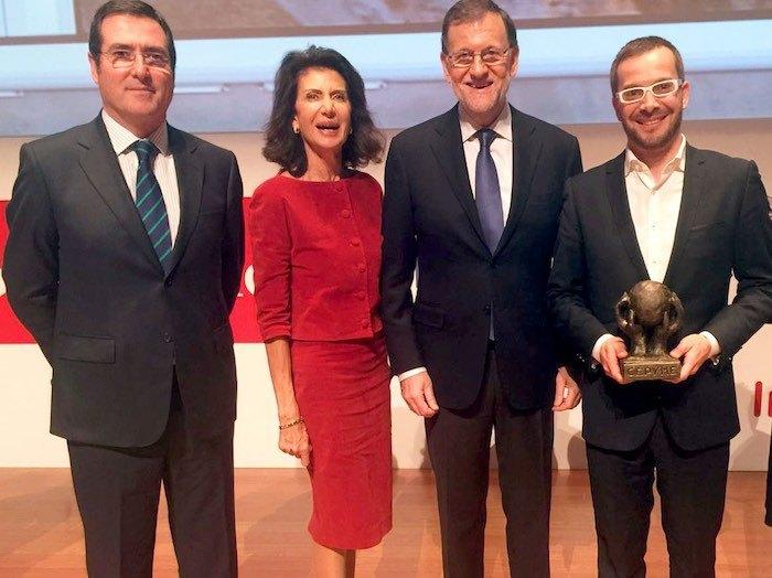 Jordi Ber (izquierda) CEO de Habitissimo junto a Antonio Garamendi, Carmen Planas y Mariano Rajoy