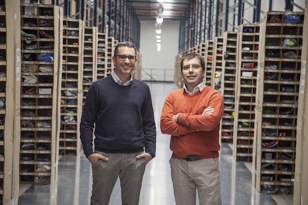 Los fundadores de Deporvillage Xavier Pladellorens (izquierda) y Ángel C (derecha)